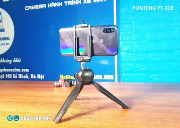 Yunteng YT-228 gắn được hầu hết các loại ĐT Smartphone