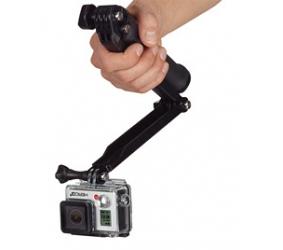 dùng gậy tự sướng để gắn vào camera hành động