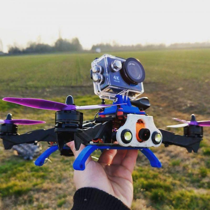 Gắn camera hành động lên Fly cam