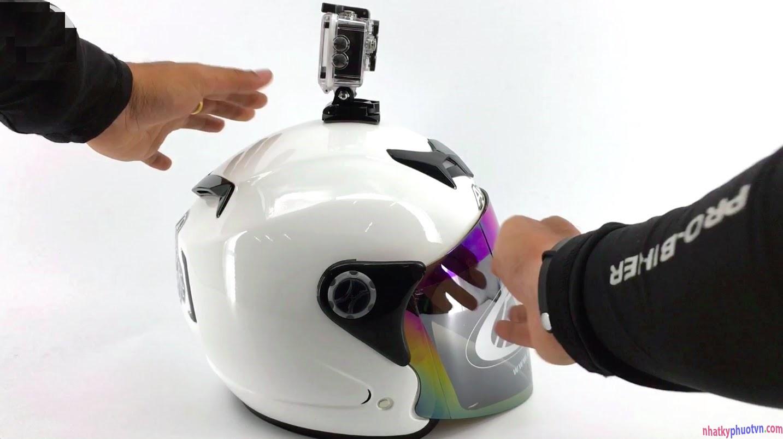 Cách gắn camera hành động lên mũ phổ biến và đơn giản nhất