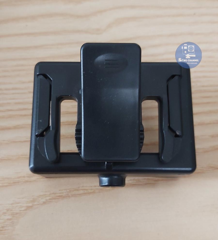 bộ kẹp và khung gắn camera hành động